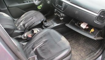 В Пензе мужчина со своей спутницей угнали такси, и попали в аварию
