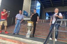 В Пензу привезли Кубок Гагарина