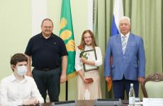 В Пензе выпускников Мединститута ПГУ наградили за вклад в борьбу с коронавирусом
