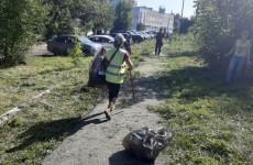 В Пензе очистили от мусора территорию пруда в районе горбольницы №6