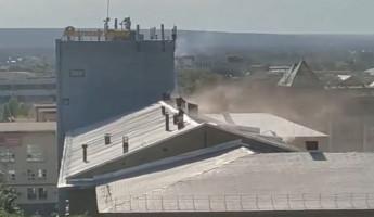 В Пензе из здания горящего завода эвакуировали 50 человек