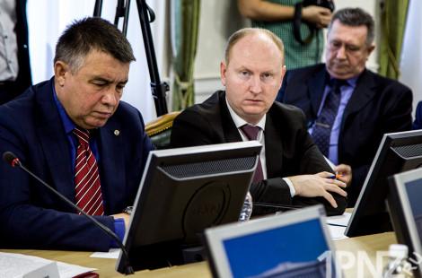 Подарочек от Москвина. Сбежавший экс-министр оставил бюджету долг в 4 млн. рублей