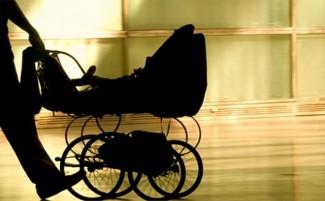 Полицейские раскрыли кражу детской коляски