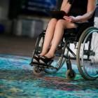 Мать зверски изрезала свою дочь, которая была прикована к инвалидной коляске