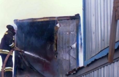 Гараж наулице Калинина тушили 12 пожарных
