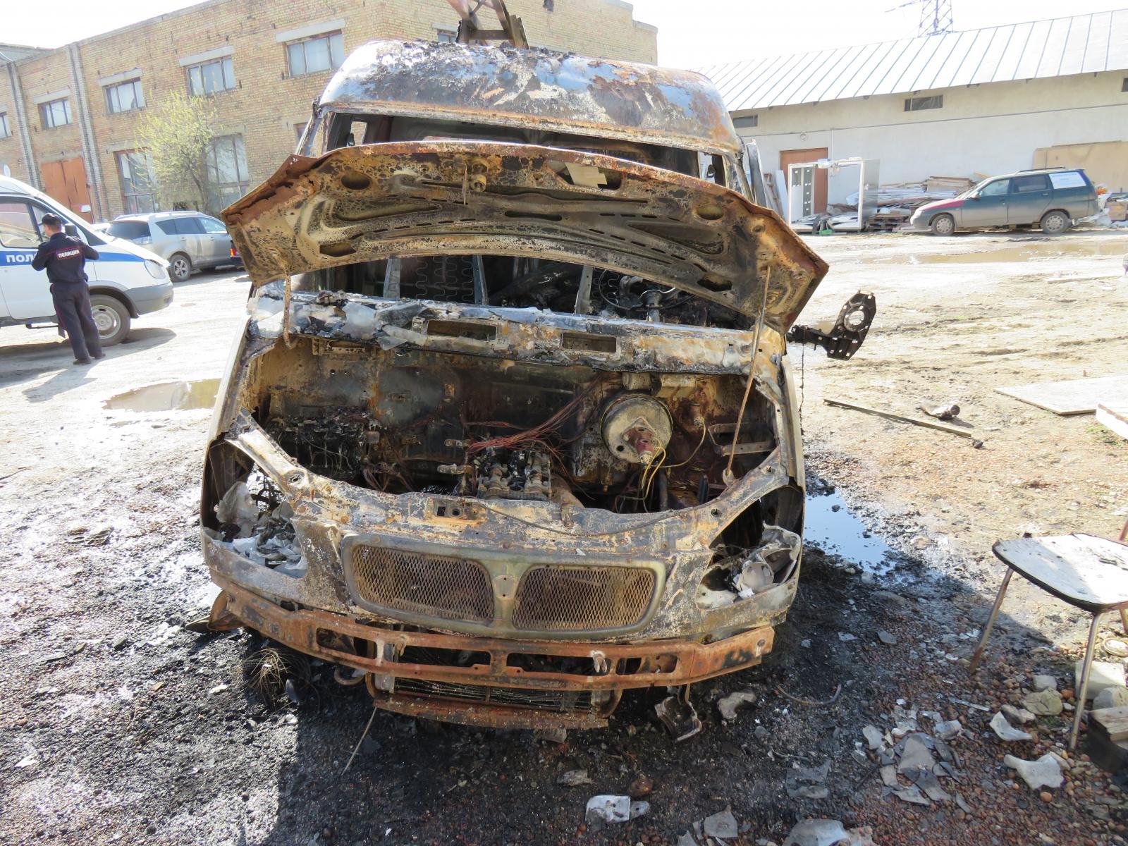 ВПензе наКижеватова ночью сгорел Митсубиши