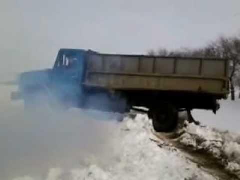 ВПензенской области в итоге трагедии опрокинулся грузовой автомобиль