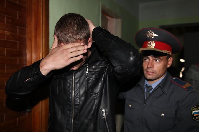 Вкафе наКирова нетрезвый мужчина напал наполицейского