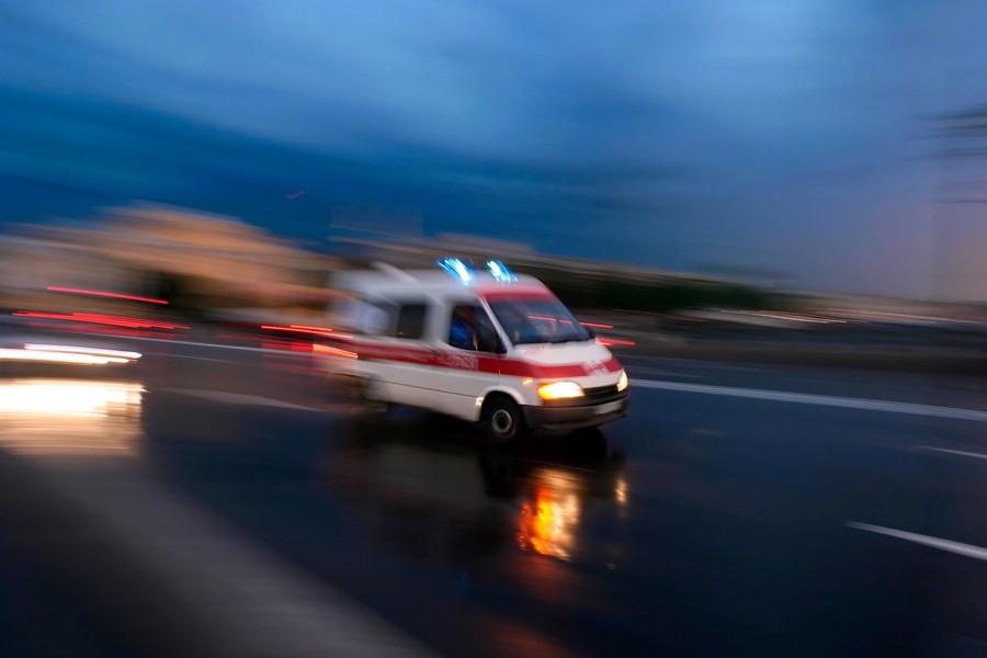 ВЗаречном дорогу неподелили две автоледи, находившиеся зарулем иномарок