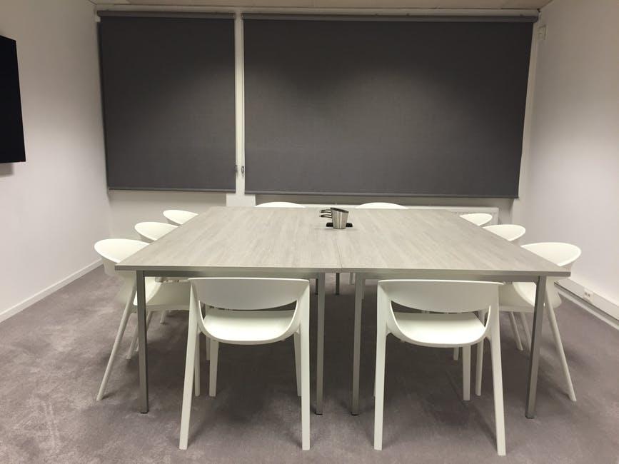Учительницу изПетербурга подозревали всовращении школьника из-за фото в с ...
