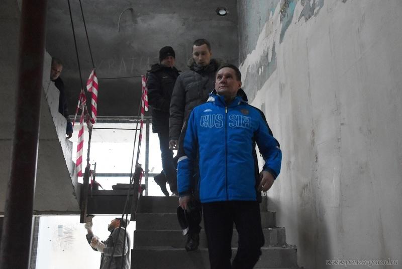 ВПензе работы настадионе «Зенит» будут вестись вдве смены