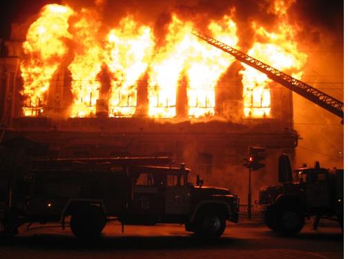 18 пожарных тушили административное сооружение вМокшане