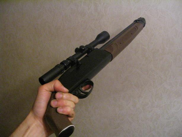ВПензе мужчина ударил прикладом винтовки гостя, напавшего наего супругу