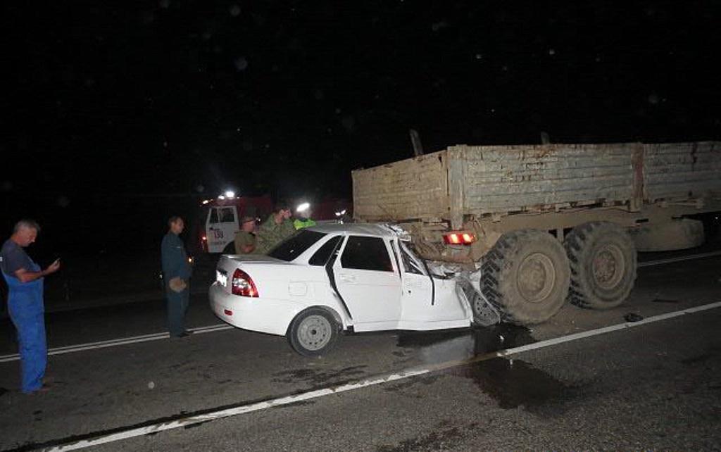 ВМордовии шофёр без прав влетел в«КамАЗ» и умер