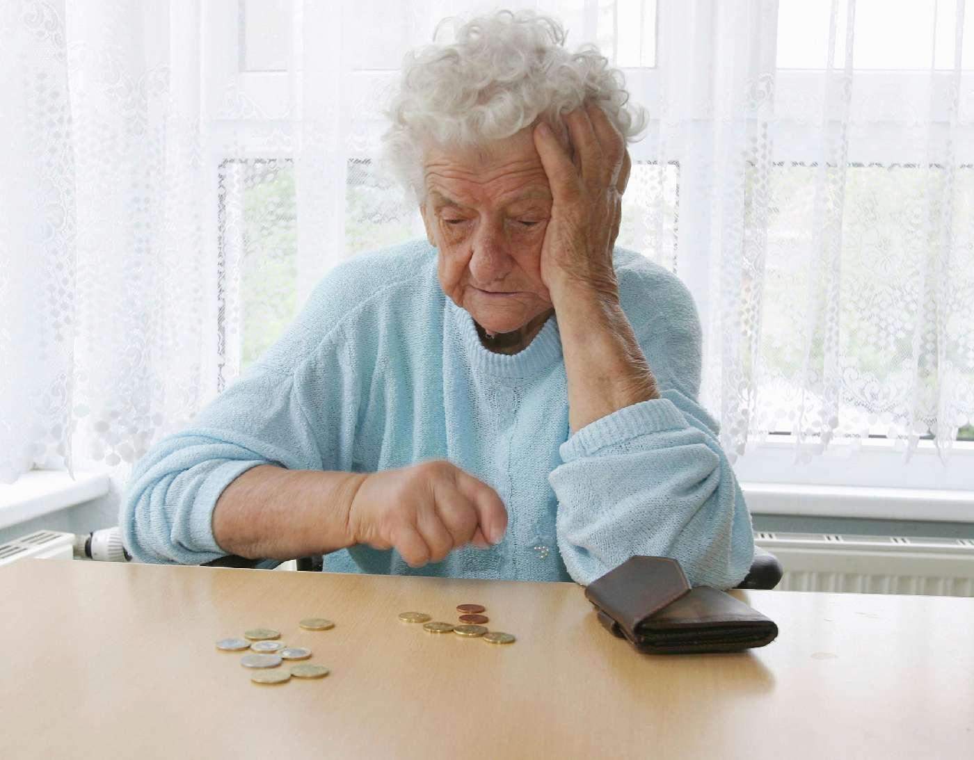 Пенсионерам не хватает на еду