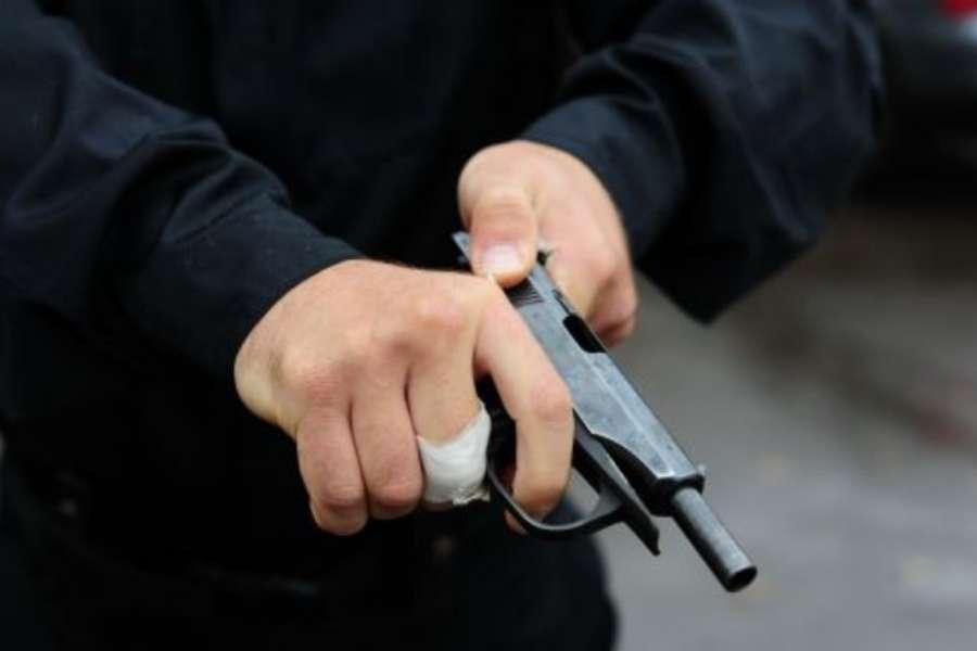 Мужчина расстрелял водителя впроцессе спора заместо на стоянке