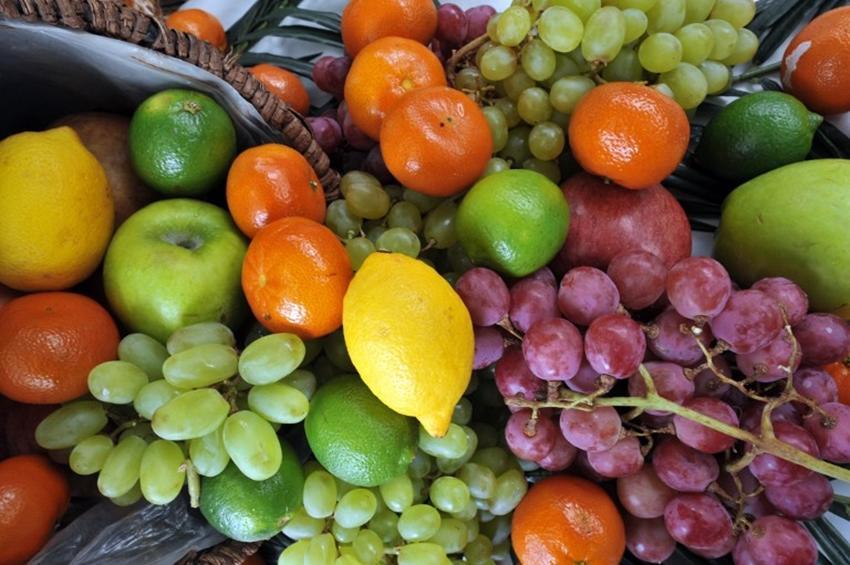Российская Федерация позволила ввоз турецких персиков, слив имандаринов