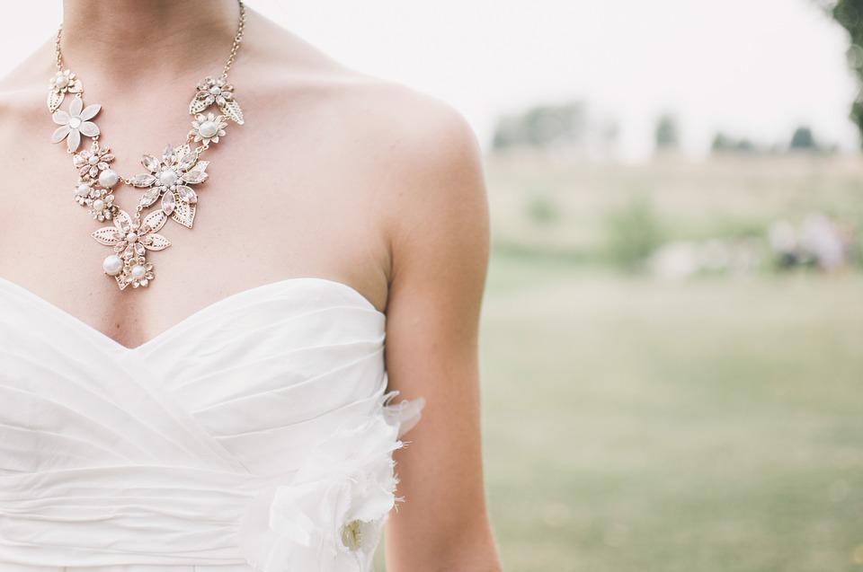 Первопричиной запрета венчания наострове Родос стало фото орального секса