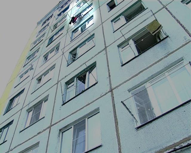 ВПензе изокна многоэтажки выпала 18-летняя девушка