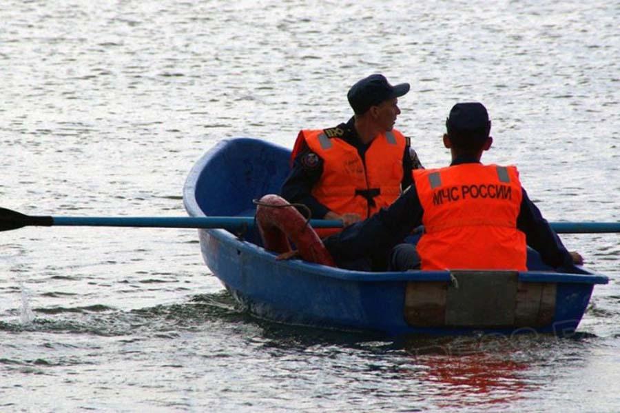 НаСтарой Суре вПензе был спасен дрейфующий налодке мужчина