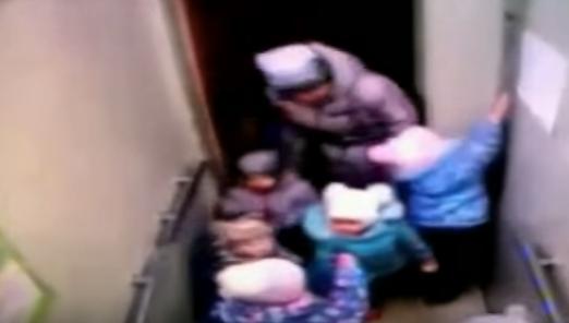 Воспитатели уфимского детского сада забыли влифте двухлетнего ребенка
