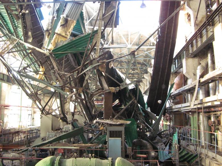 Пензенские cотрудники экстренных служб ищут под завалами ТЭЦ-1 пострадавших в итоге ЧП