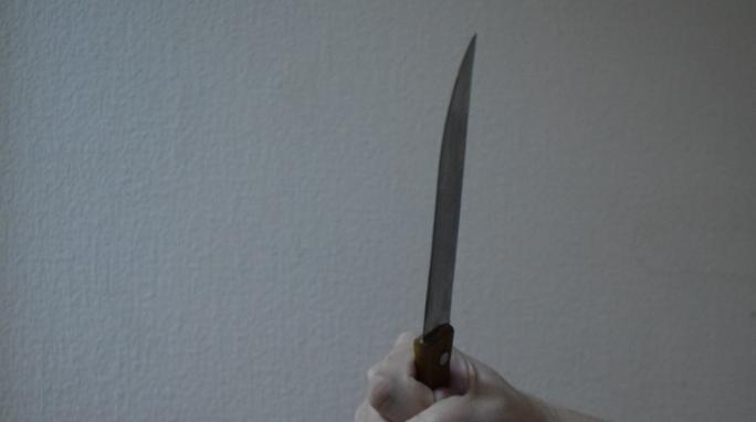 Гражданин Пензенской области изревности два раза ударил конкурента ножом
