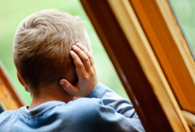 Мать прятала от медсотрудников выпавшего изокна сына