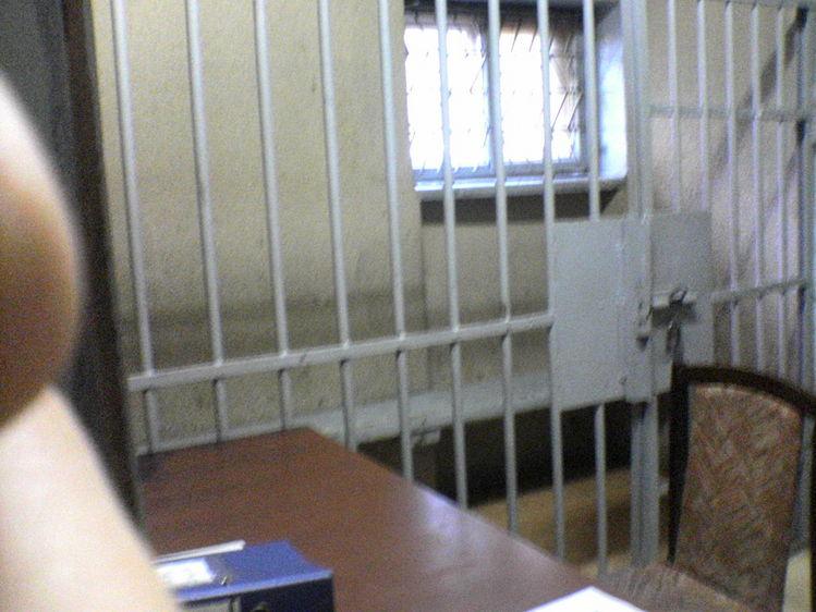 Вотделении милиции Пензы задержанный застрял врешетке