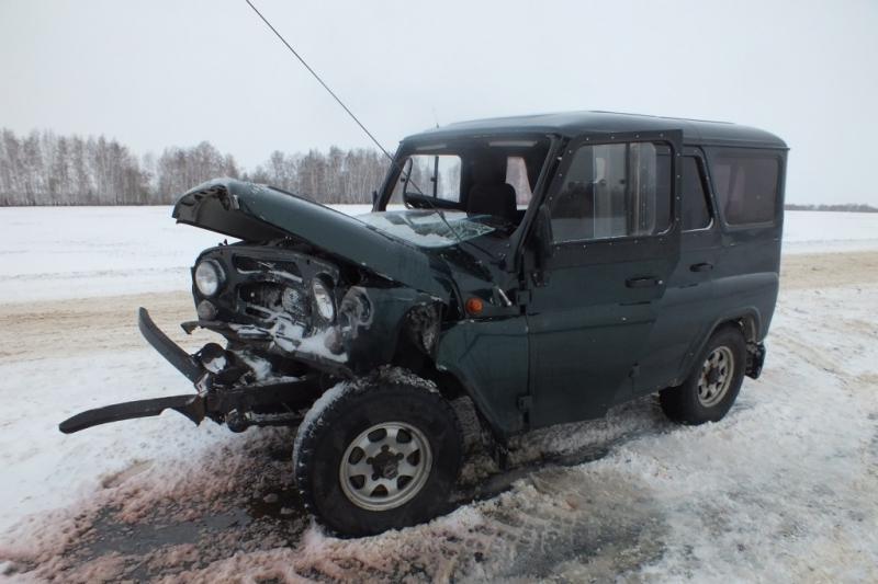 ВСурске при столкновении УАЗа и БМВ X5 пострадала 38-летняя женщина