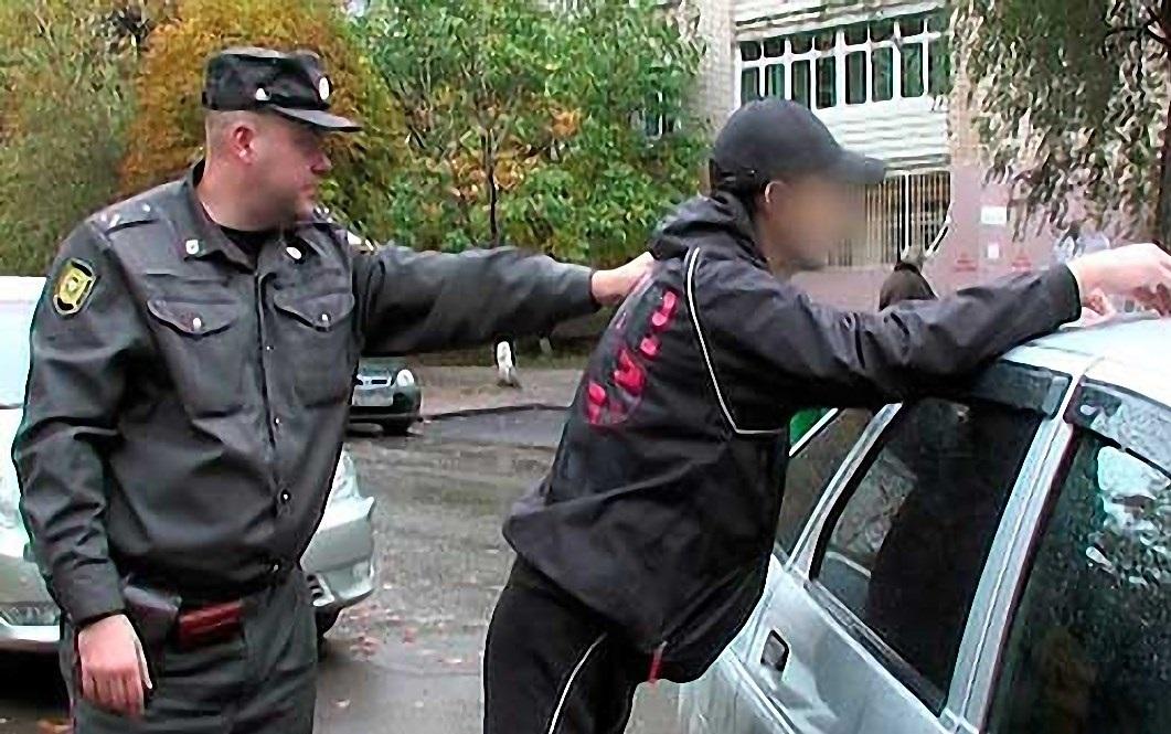 Нетрезвый двадцатилетний гражданин Пензы пытался угнать машину «нагорбу»