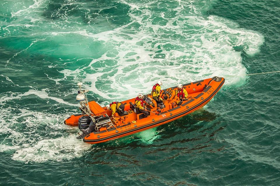 НаСурском водохранилище отыскали дрейфующую лодку срыбаками