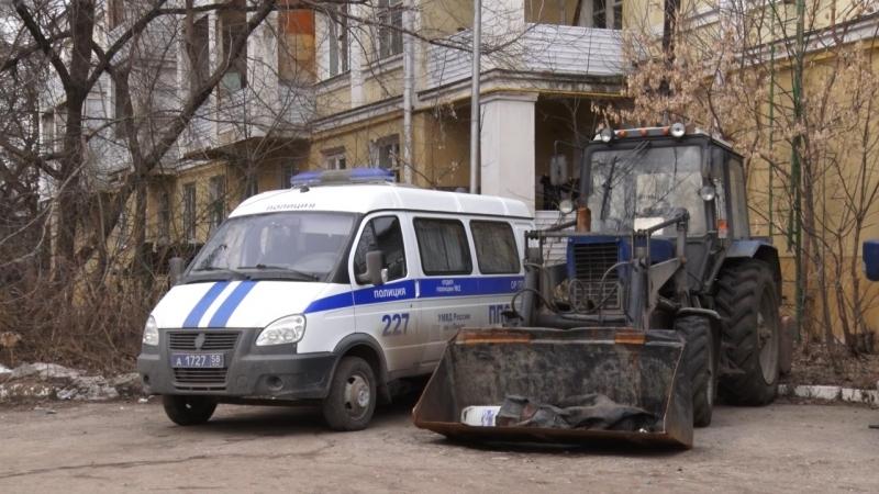 Угнанный вПензе трактор-снегопогрузчик нашелся вЛунинском районе