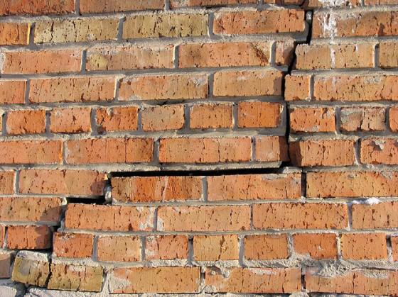 Ремонт кирпичной стены