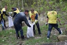 Активисты «Справедливой России» подарили пензенцам «Чистый двор»