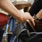 Тамбовский таксист обокрал нуждавшуюся в операции пензячку