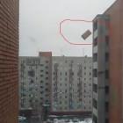 Лень — не порок. Жители Арбеково выбрасывают шкафы с 10-го этажа