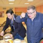 В Пензе журналисты, депутаты и активные граждане продегустировали школьное питание