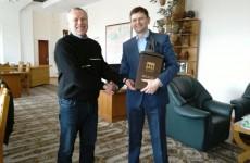 Пензенские чиновники подарили мэру Могилева сувениры