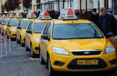 Очевидец рассказал СМИ, как группа пензенских таксистов «прессанула» работника «Яндекс.Такси»