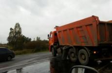 Пензенское ГИБДД разыскивает очевидцев столкновения «семерки» и грузовика