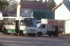 Рано утром 18 августа в Пензе пассажирский автобус въехал в грузовую «Газель»