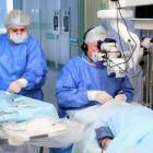 Главный пензенский офтальмолог провел первую в мире операцию по имплантации двух хрусталиков