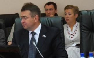 Прокуратура подала на Лисовола в суд за самострой на Карпинского