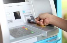 В Пензе 18-летний парень накупил еды по найденным банковским картам