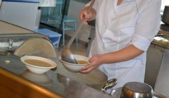 Сотрудники общепита рассказали, какие блюда никогда нельзя заказывать в ресторане