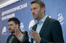 Вместо того, чтобы провести разрешенный митинг в Пензе, Навальный уехал в Европу