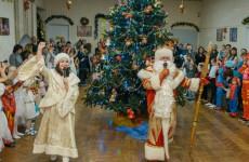 Новогодние ёлки прошли для детей избирательного округа № 1