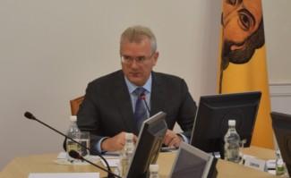 Иван Белозерцев призвал проанализировать ошибки минувшего года