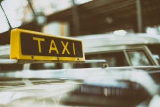 Молодой пензенец открыто ограбил таксиста на улице Калинина